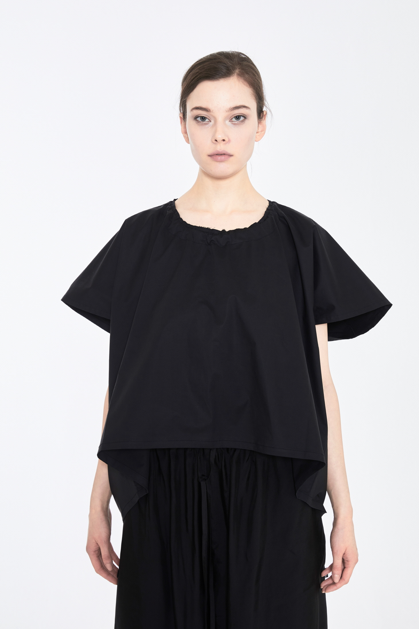 DAA ROUND SQUARE SHORT TOP